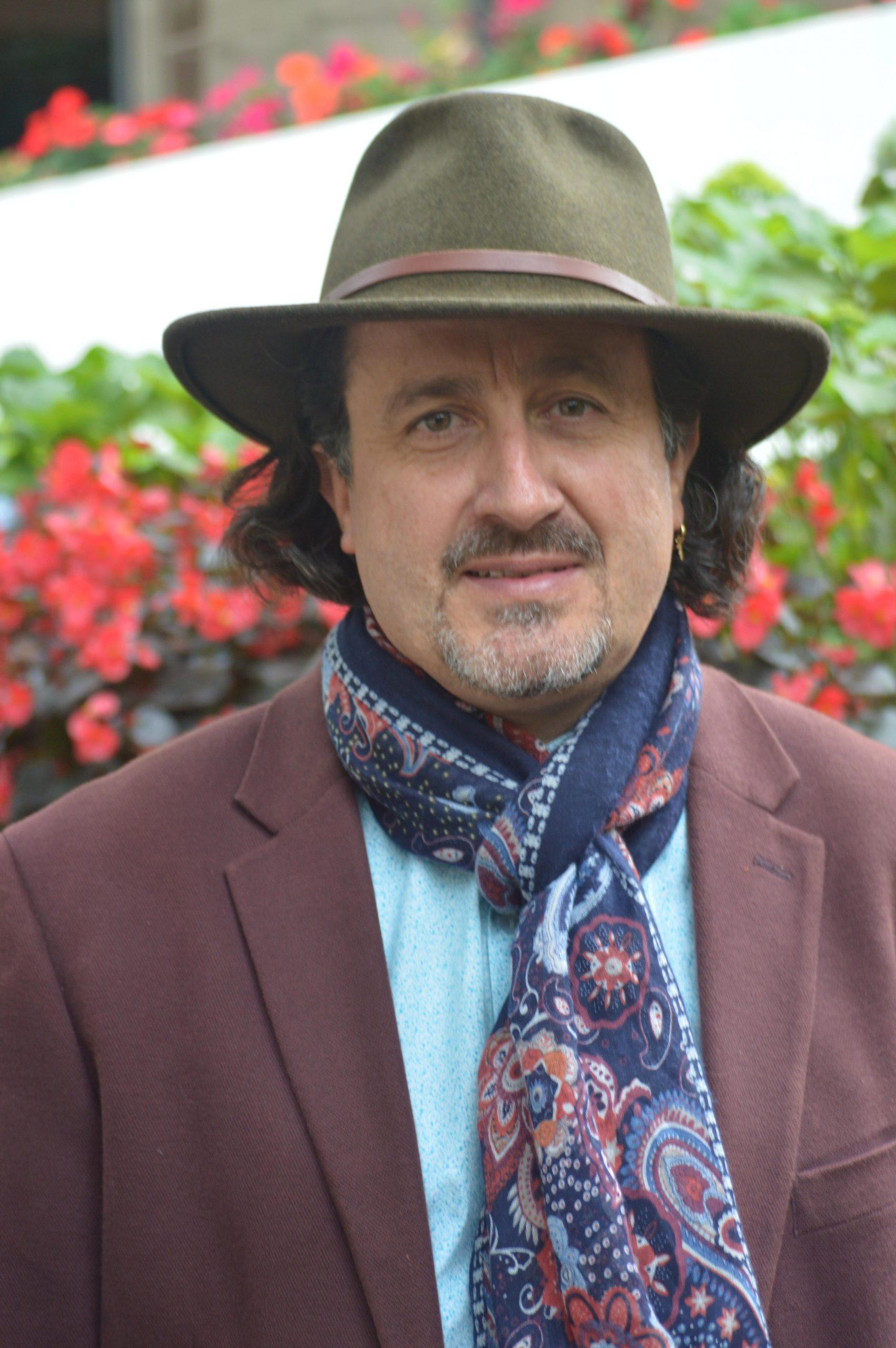Carlos Largacha Director